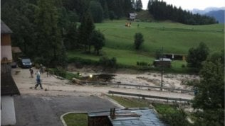 Maltempo: bomba d'acqua a Cortina, muore una donna